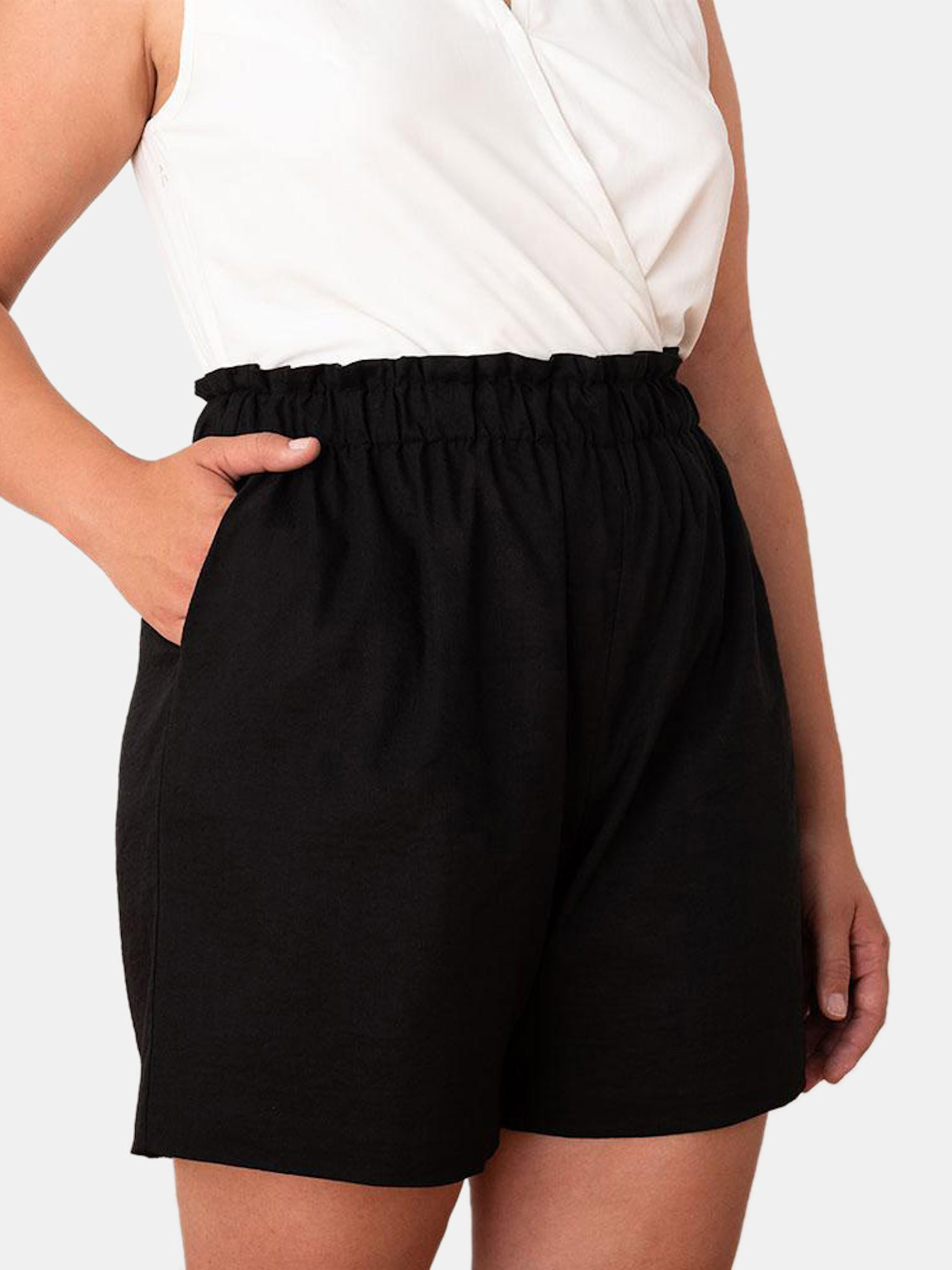 Aday Ease In Shorts In Black
