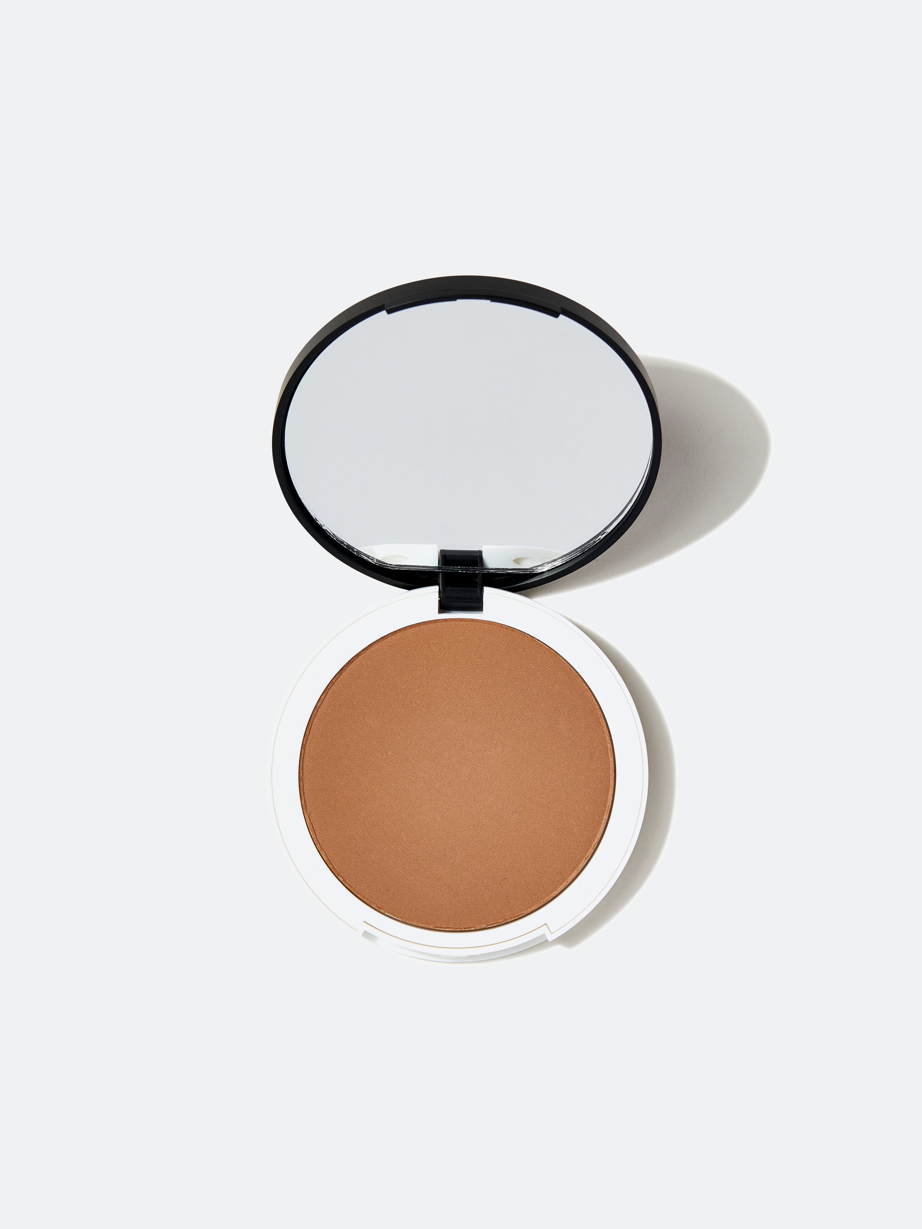 Lily Lolo Pressed Bronzer In Honolulu