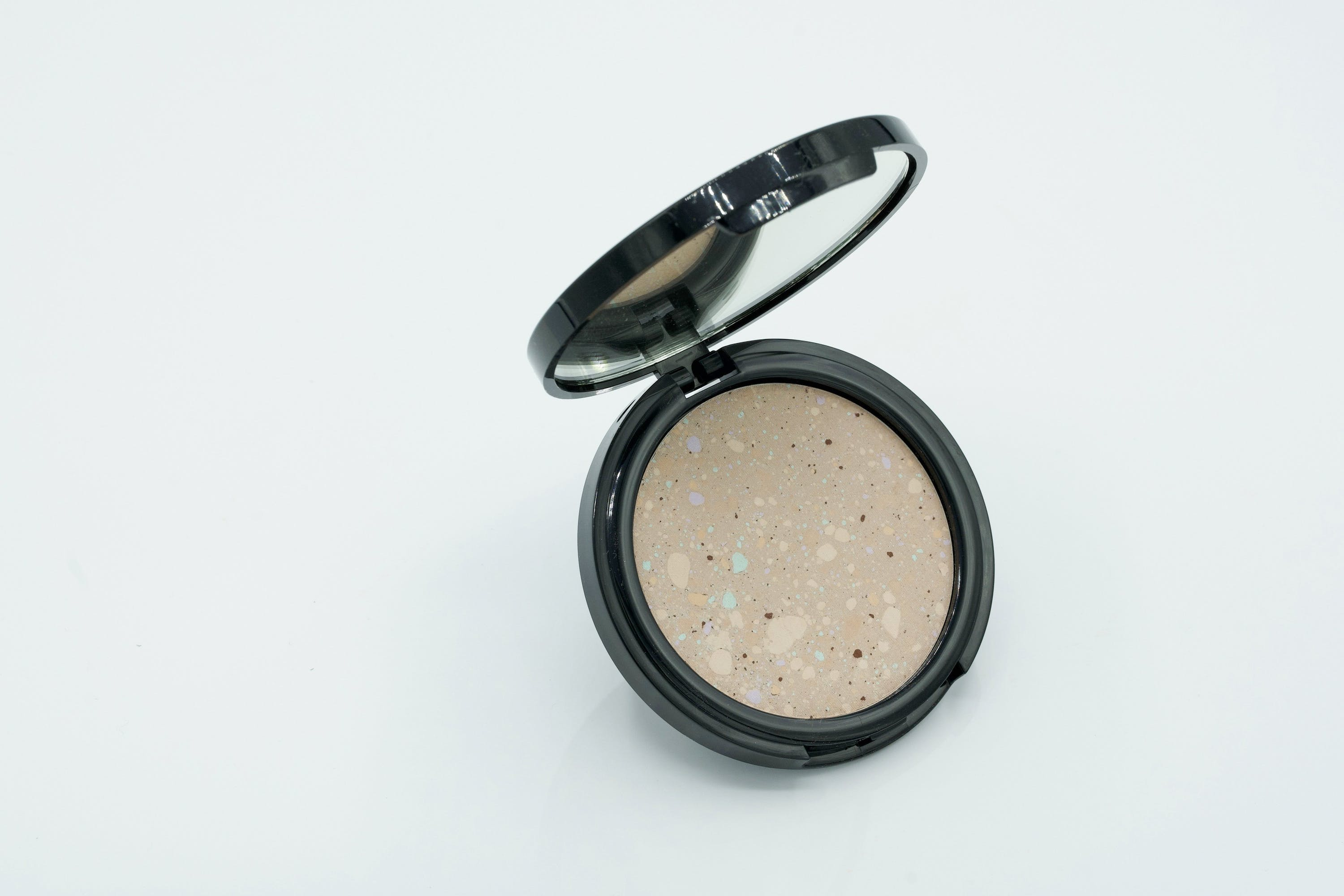 Ready To Wear Beauty Couture Finish Powder Compact
