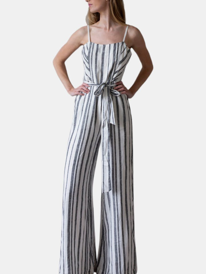 Butterflies Print Straps Casual Jumpsuit #Chic #Outfit